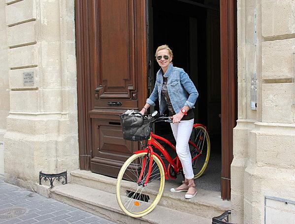 Vieilles Pierres & vélo rouge !