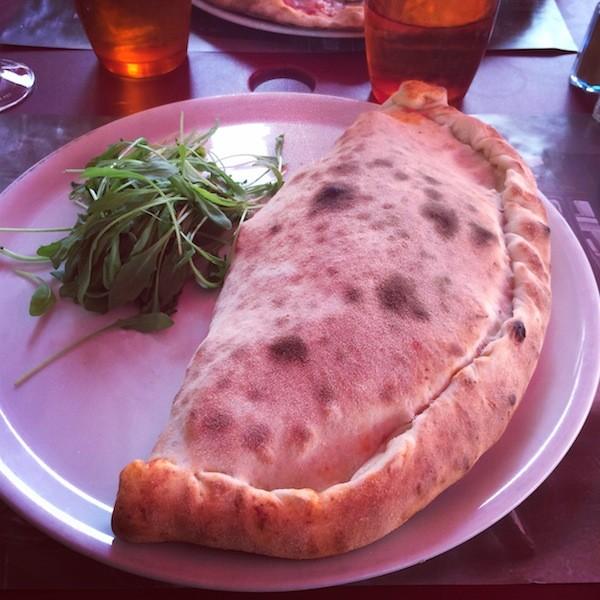 Pizza Cazone TOTTO