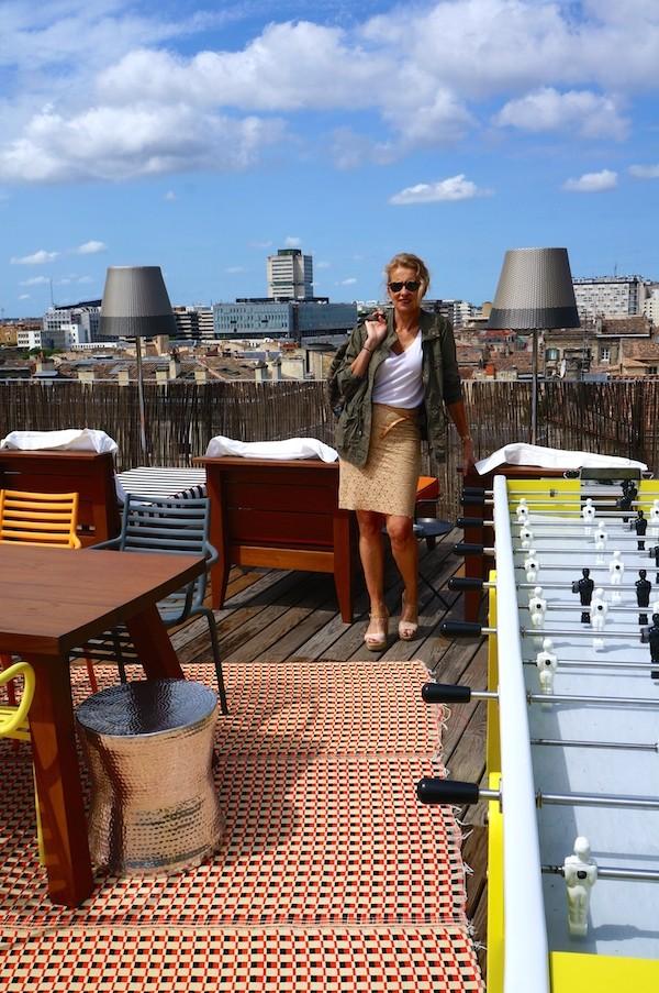 Tee-shirt H&M - Jupe Tara Jarmon