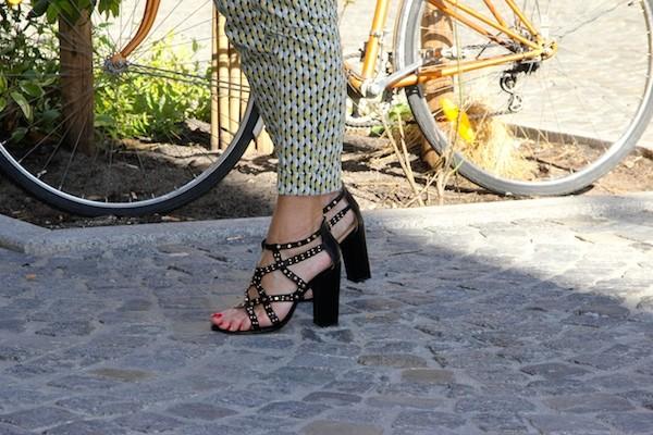 Sandales à clous Texto