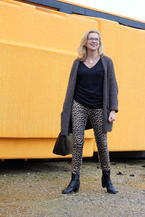 Pantalon imprimé leopard Zara