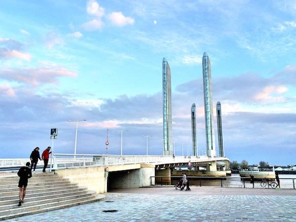 Pont Jacques Chaban Delmas