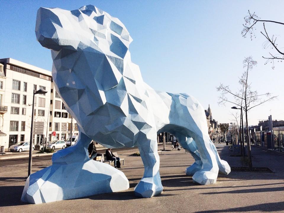 LION PLACE SEBASTOPOL BORDEAUX
