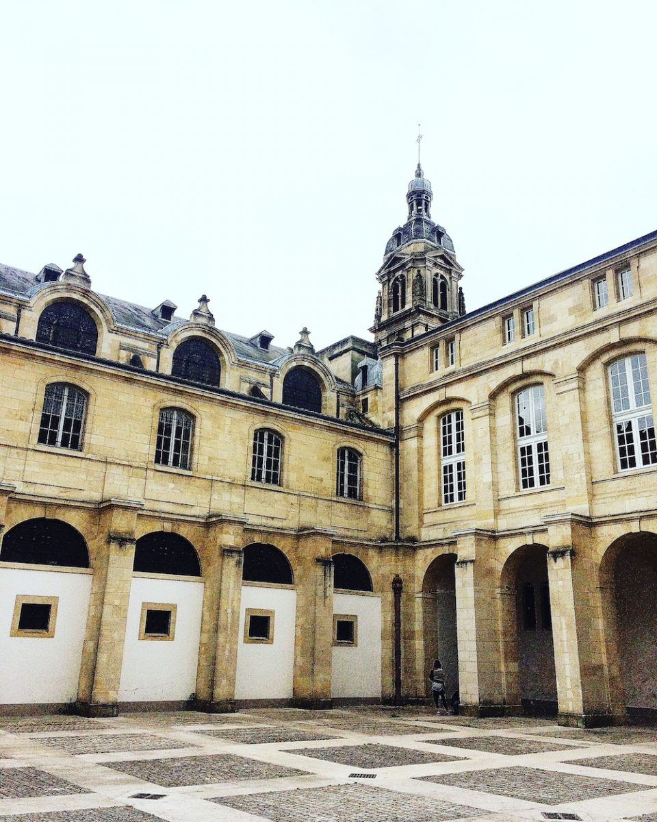 COUR MABLY BORDEAUX