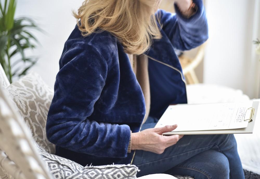 blue fake fur bomber blog enfin moi mode lifestyle bordeaux. Black Bedroom Furniture Sets. Home Design Ideas