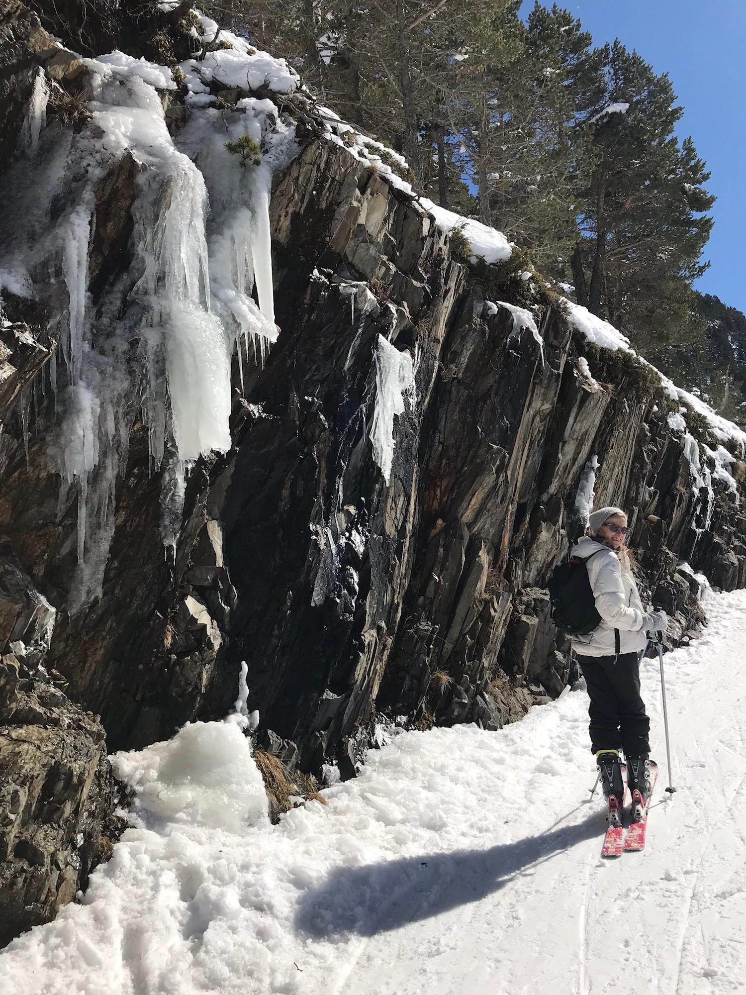 Skier dans les Pyrénées à Saint-Lary