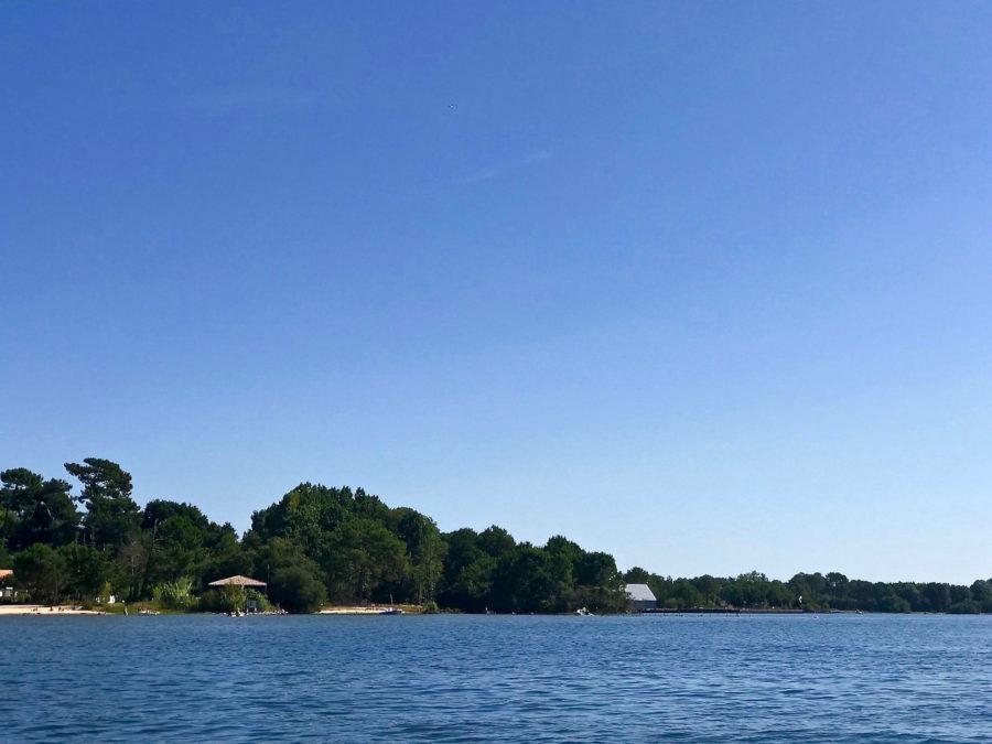 Maguide un lac et la nature autour !