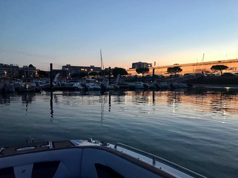 Ap ro boat aux pieds des cabanes tchanqu es blog enfin - Restaurant arcachon port de plaisance ...