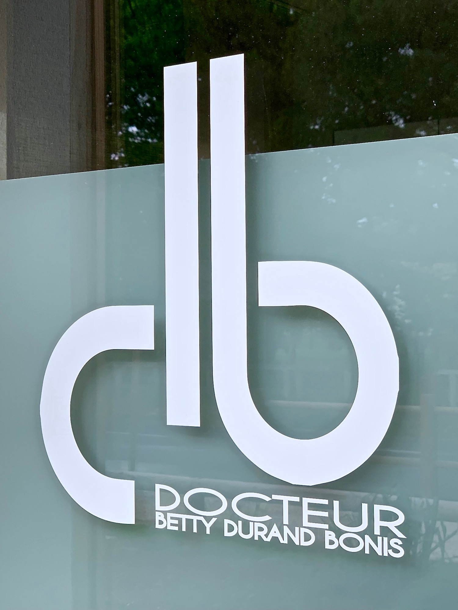 Dr Durand Bonis